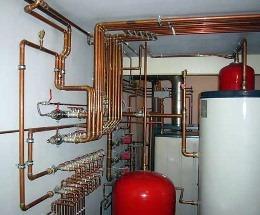 Теплый водяной пол в комнате