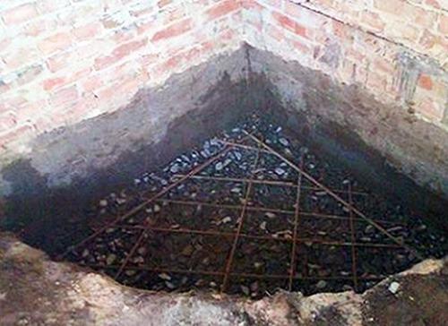 закладка фундамента под камин