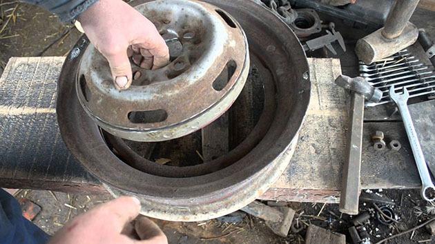работа над печью из колесных дисков