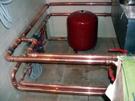 монтаж бака в системе отопления