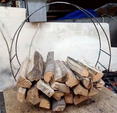 дровница из стальной проволоки