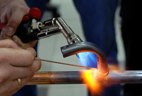 применение генератора для газопламенных работ