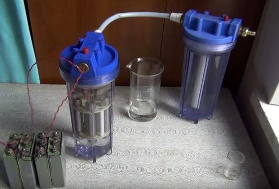 самодельный генератор из пластиковых контейнеров от водяного фильтра